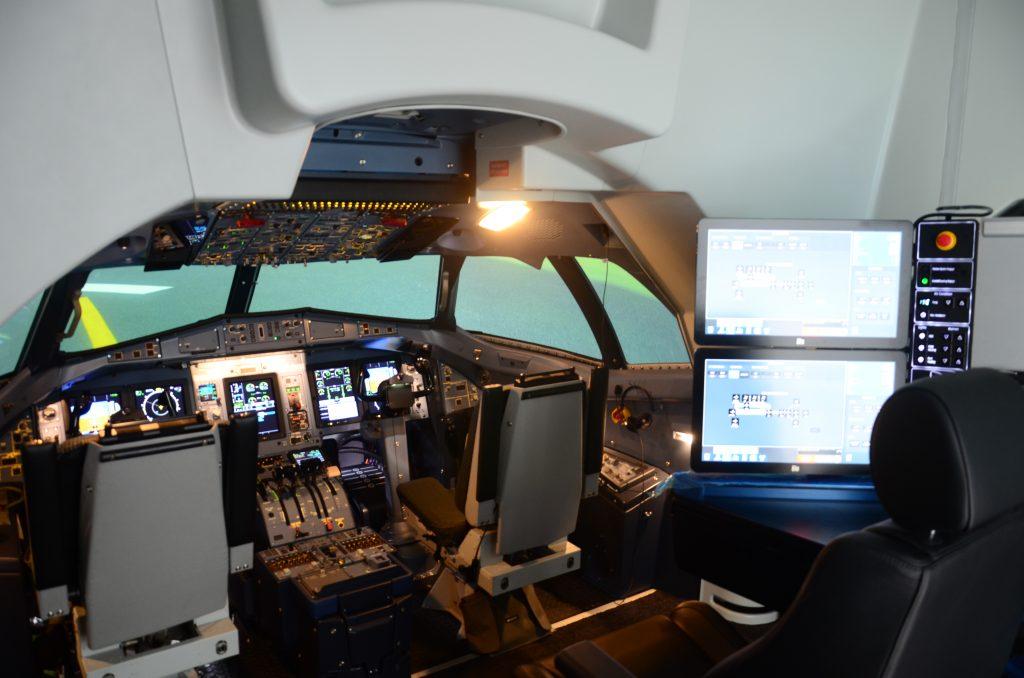 ATR72-600 sim interior.